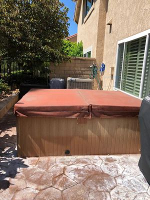 Jacoozi hot tub (fits four people) for Sale in Anaheim, CA