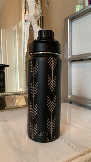SLIM 18 oz water bottle for Sale in Clarksville, TN