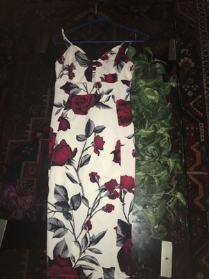 White and red v - neck dress for Sale in Phoenix, AZ