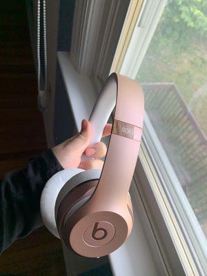 Beats Solo3 Wireless Headphones (rose gold) for Sale in Riverton, NJ