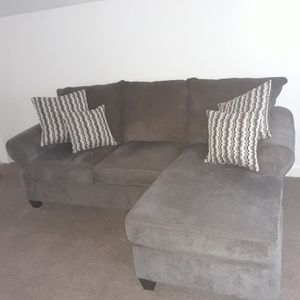 Brand new couch for Sale in Fort Wayne, IN