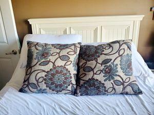 Throw pillows for Sale in Huntsville, AL