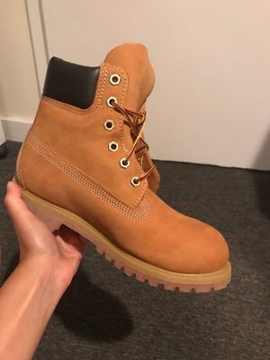 NEW Women's size 6 Timberland Boot for Sale in Boston, MA