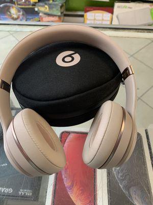 Beats solo 3 wireless new for Sale in Philadelphia, PA