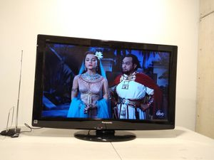 """PANASONIC 32"""" LCD TV for Sale in Maryland Heights, MO"""