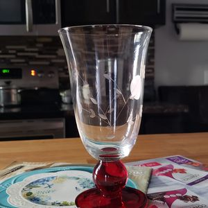 juego de 4 copas de pedestal rojo... for Sale in Salt Lake City, UT