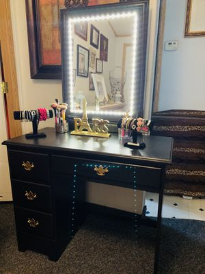 "Vanity & Mirror With Light Measure 38""X18""X30.5 L. W. H for Sale in Salt Lake City, UT"