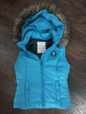 Aeropostale XS fur hood vest like new for Sale in Charter Township of Clinton, MI