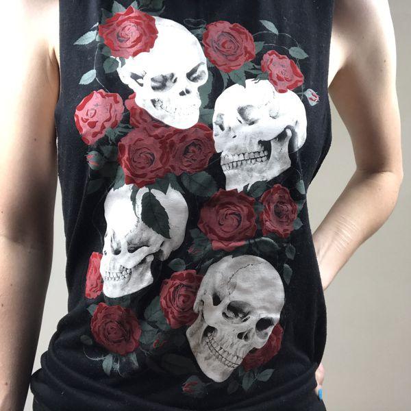 Spirit Halloween Skull T Shirt