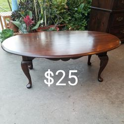 Coffee Table for Sale in Lakewood,  CA