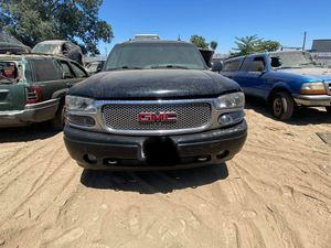 2003 GMC YUKON DENALI (PARTS ONLY) for Sale in Bystrom, CA
