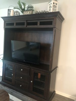 Haverty's Entertainment Unit for Sale in Land O Lakes, FL
