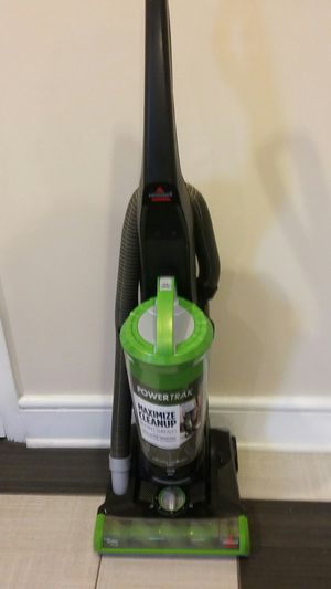 NICE BISSELL POWER TRAK TRIPLE ACTION BRUSH WITH PET ODOR ELIMINATOR FILTER for Sale in Alexandria, VA