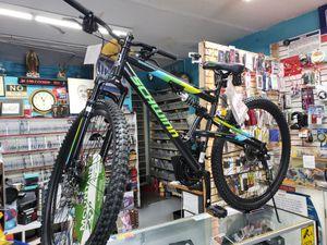 """29"""" bicicleta nueva para deportista for Sale in Los Angeles, CA"""