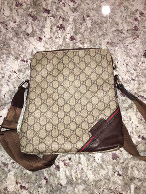 Gucci messenger bag for Sale in Lawrenceville, GA