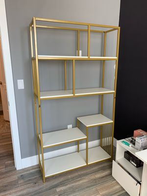 White and Gold bookcase for Sale in Los Angeles, CA