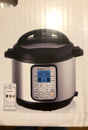 Instant Pot Smart Bluetooth 6 for Sale in West Springfield, MA