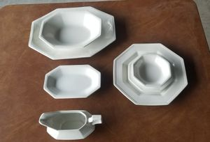 """Johnson Bros Heritage White """"IRONSTONE"""" 12-place setting for Sale in Henderson, NV"""