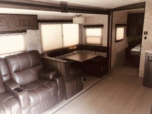 Open Range BUNKHOUSE Travel Trailer 2018 2802BH (ASK FOR NICK) for Sale in Mount Vernon, WA