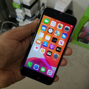 iPhone 6S, Factory Unlocked.. Excellent Condition. for Sale in Springfield, VA