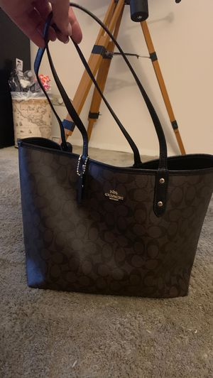 Coach bag (reversible) for Sale in Sunrise, FL
