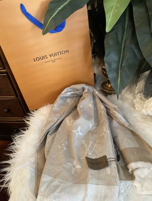 Louis Vuitton Scarf for Sale in Las Vegas, NV