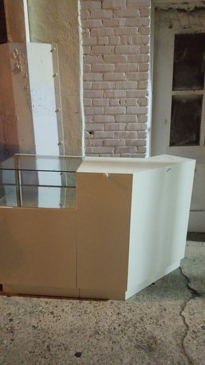 free counter for store for Sale in San Pedro, CA