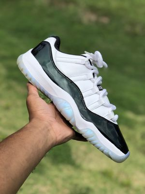 Air jordan 11 sz 9.5 og all $95 for Sale in Raleigh, NC