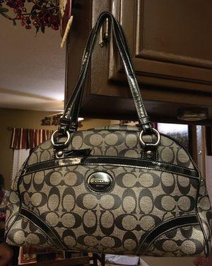 Coach beautiful shoulder purse for Sale in Murrieta, CA