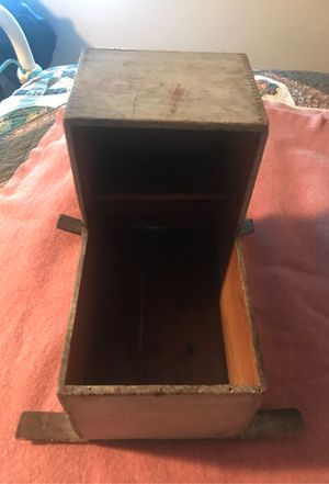 ANTIQUE WOODEN DOLL CRADLE for Sale in Marysville, WA
