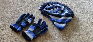 Gap snow gloves and hat for Sale in Diamond Bar, CA