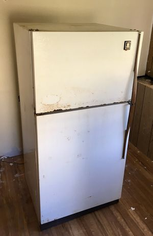 GE Refrigerator For Garage/Man Cave/Deer Lease for Sale in Pearland, TX