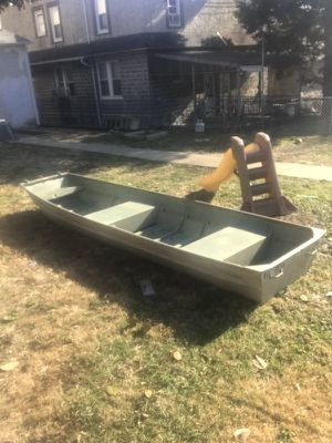 10 ft aluminum john boat no title for Sale in Philadelphia, PA