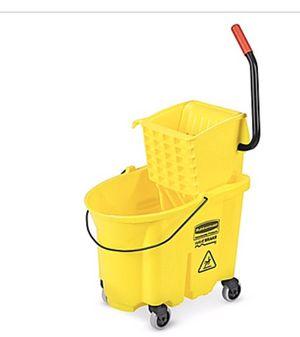 bucket/Wringer Side Press, 35 Quart, Yellow for Sale in Miami, FL