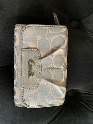 Coach wallet for Sale in Highland, IN
