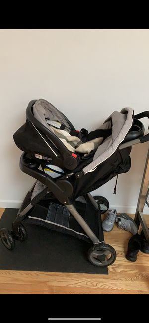 Stroller , car seat and base for Sale in The Bronx, NY