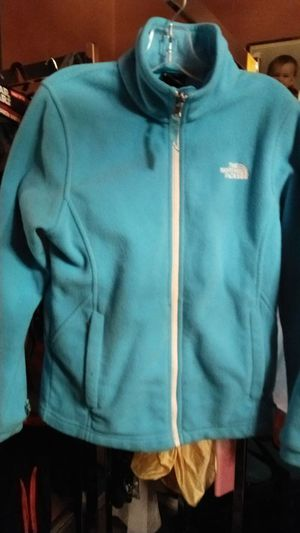 Girls north face jacket with hoodie size medium 10-12 for Sale in Columbus, OH