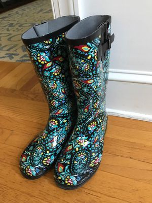 Women's Rain Boots Sz 11 Gently used for Sale in Raleigh, NC