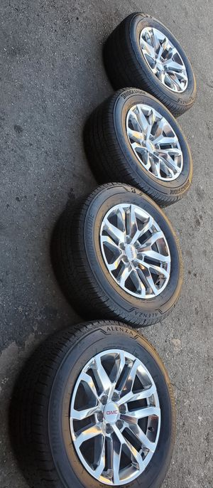 """20"""" STOCK 2020 GMC SIERRA NEW RIMS AND TIRES for Sale in Colton, CA"""