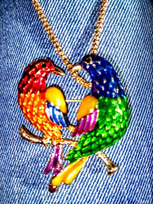 NWT Betsey Johnson Tropical Birds Necklace for Sale in Wichita, KS