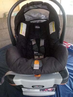 Chicco keyfit 30 car seat for Sale in Fort Pierce, FL