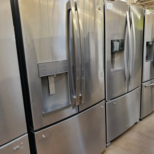 GE French Door Refrigerator for Sale in Glendora, CA