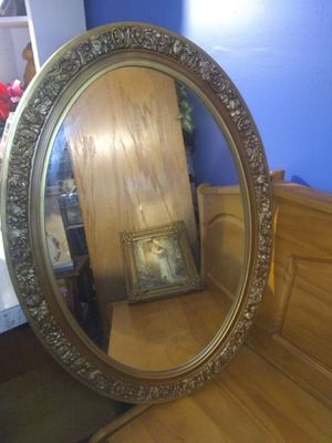 Vintage Oval Gold Floral Wall Mirror for Sale in Mason, OH