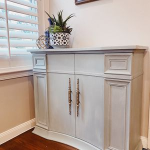 Newly Refurbished Cabinet for Sale in Houston, TX