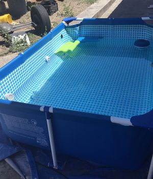 Swimming pool with pump for Sale in Los Angeles, CA