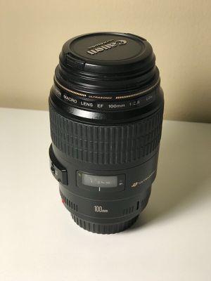 Canon EF 100mm f/2.8 USM Macro Lens EX+ EOS DIGITAL l + HOOD ET - 67+ UV haze 58 mm FILTER for Sale in Detroit, MI