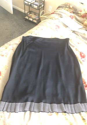 Black and white skirt with ruffle. Size 3x for Sale in White Lake charter Township, MI