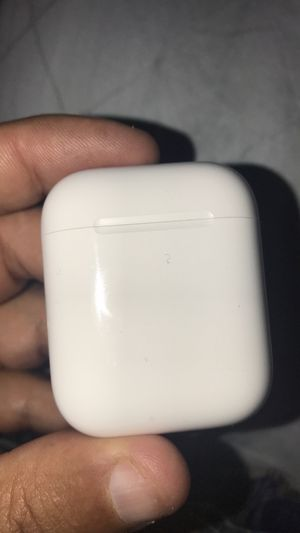 Genuine Apple 2nd generation AirPods charger case in excellent condition. for Sale in Houston, TX