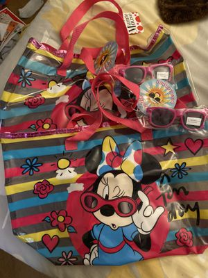 Minnie beach bags with sunglasses for Sale in San Marcos, CA