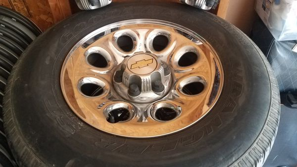 2007 and up rims chevy chrome rims!!